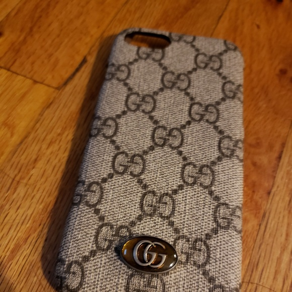 2e2d01a92905 Gucci Accessories   Iphone 78 Cell Phone Case Authentic 47   Poshmark